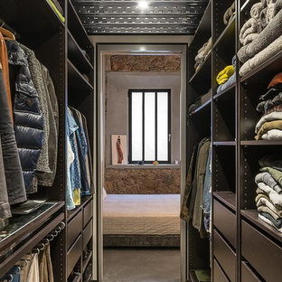 Walk In Closet   Mid Sized Industrial Gender Neutral Concrete Floor And Gray