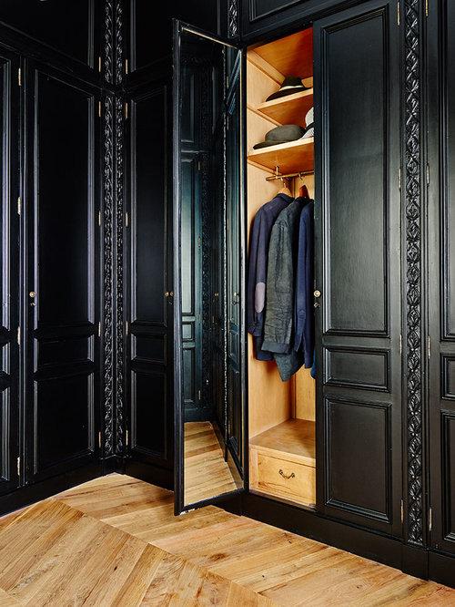 Armoires et dressings avec des portes de placard noires et for Taille porte interieur
