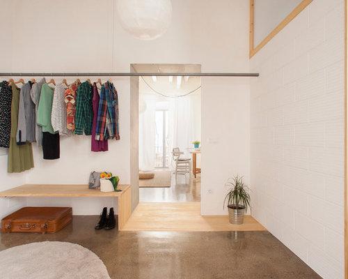 skandinavischer begehbarer kleiderschrank ideen f r den. Black Bedroom Furniture Sets. Home Design Ideas