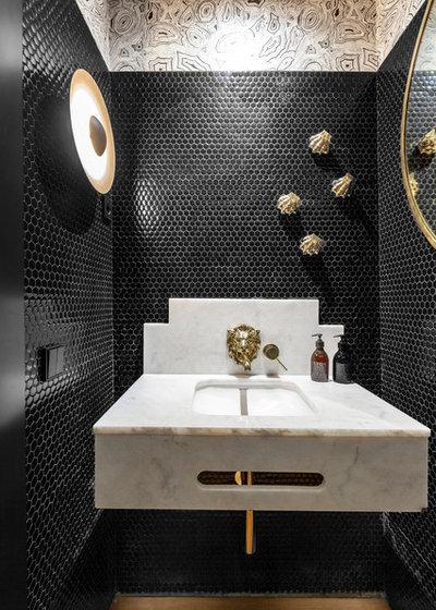 Contemporary Powder Room by Lupe Clemente Fotografía