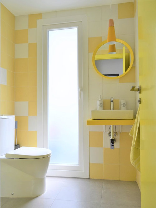 Photos et id es d co de wc et toilettes avec un carrelage for Carrelage jaune