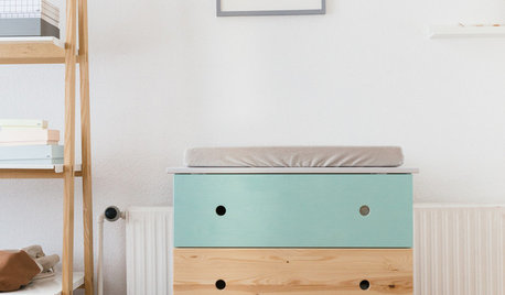 """Ikea Hack: """"Tarva""""-Kommode wird zum farbenfrohen Wickeltisch"""