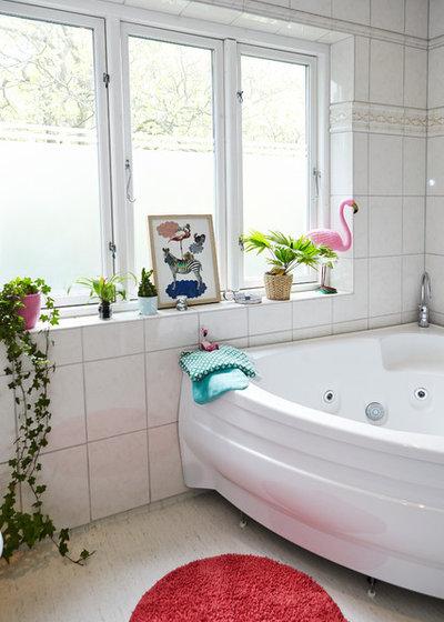 Eclectic Bathroom by Mia Mortensen Photography