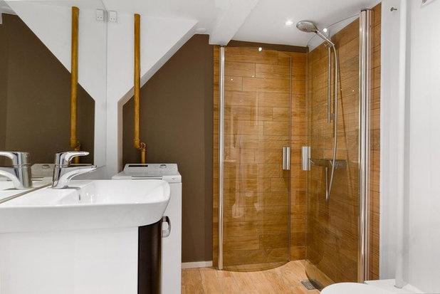 モダン 浴室 by home City