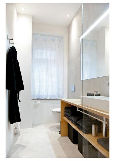 Skandinavisch Badezimmer by freudenspiel - interior design