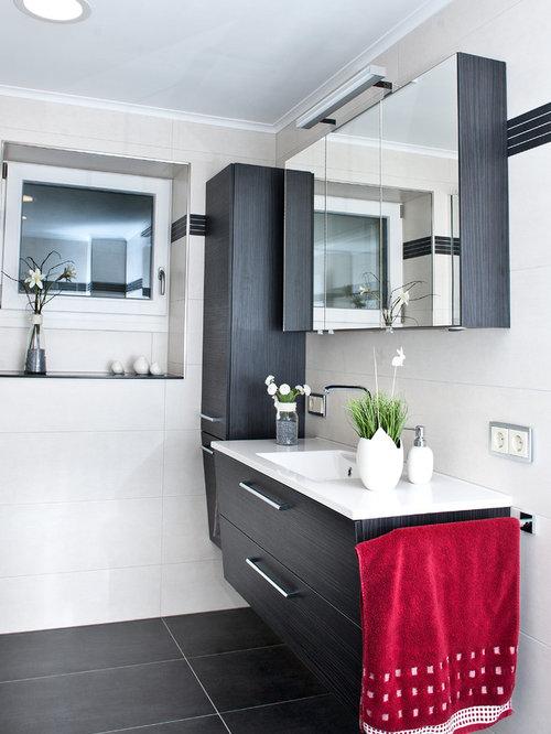 Badezimmer Schwarz Rot: Schwarz Geflieste Badezimmer. Interessante ... Deko Ideen Badezimmer Wandakzente