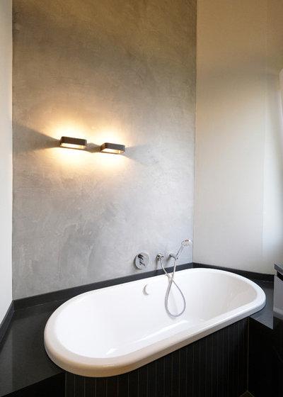Modern Badezimmer by raumgespür innenarchitektur design Ilka Hilgemann