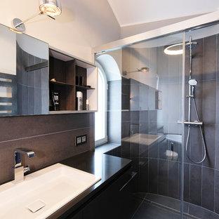 Salle de bain avec un mur gris Dortmund : Photos et idées déco de ...