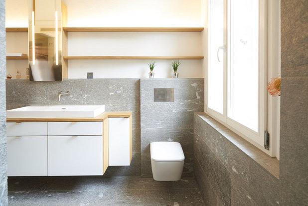 Minimalistisch Badezimmer by Echt Zwinz Raum und Möbel