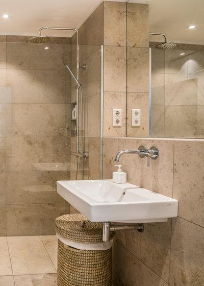 Badezimmer by Alexandra Kiendl  I Architektur