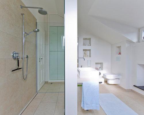 bathroom design ideas renovations photos with a walk in. Black Bedroom Furniture Sets. Home Design Ideas