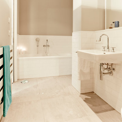 houzzbesuch berliner altbau schick mit loft charakter. Black Bedroom Furniture Sets. Home Design Ideas