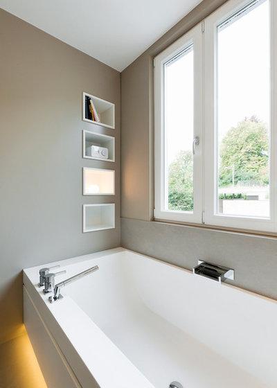 raffiniert materialstark fugenarm ein stuttgarter bad wird modern. Black Bedroom Furniture Sets. Home Design Ideas