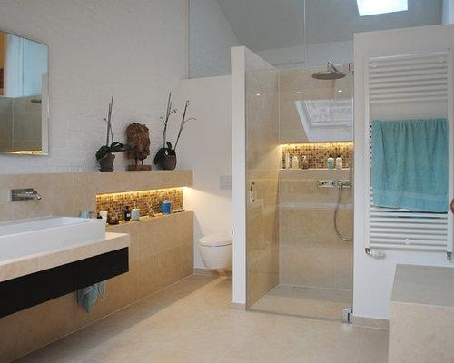 Handfat Toalett : Foton och badrumsinspiration för badrum med ett fristående