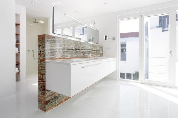 Ugens badeværelse: smuk onyx sten forgylder et tysk badeværelse
