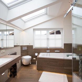 Salle de bain avec une baignoire d\'angle Munich : Photos et idées ...