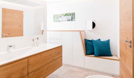 Richtig eingesetzt: Ein Badezimmer mit Sitzecke und Wäscherutsche