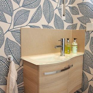 Salle de bain avec un mur beige Dresde : Photos et idées déco de ...