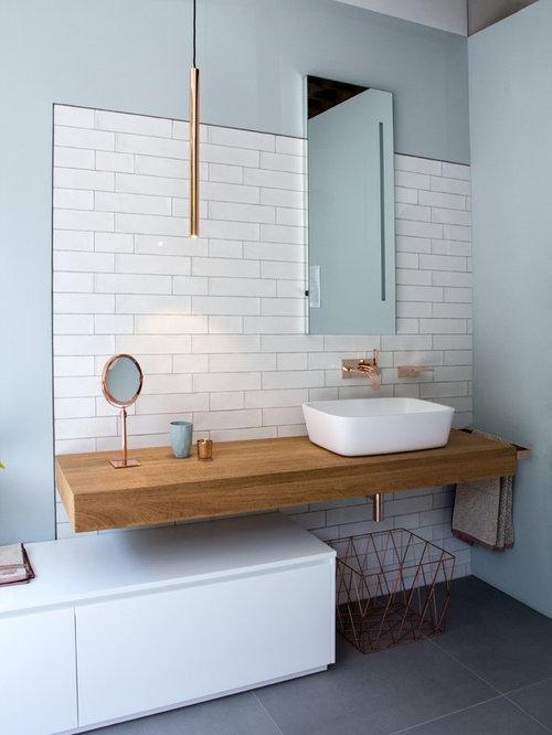 skandinavische badezimmer mit blauer wandfarbe ideen design bilder houzz. Black Bedroom Furniture Sets. Home Design Ideas