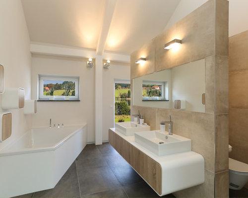 Bathroom Design Ideas, Renovations & Photos with a Corner ...