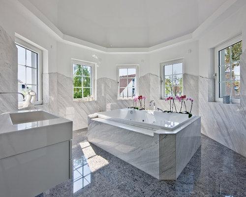 Badezimmer mit grauen Fliesen Ideen, Design & Bilder   Houzz