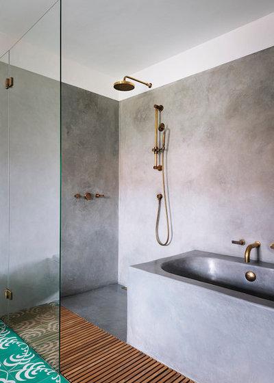 Skandinavisch Badezimmer by swa.studio  ///  Sebastian Wiedemann Architektur