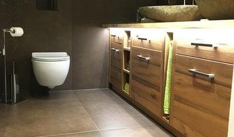 Badsanierung mit Großformatfliesen, Sanitär,- Maler,- und Elektroarbeiten