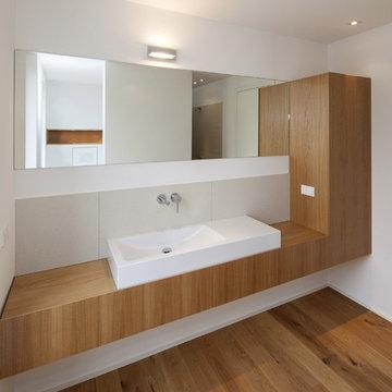 Bauhaus-Look Badezimmer