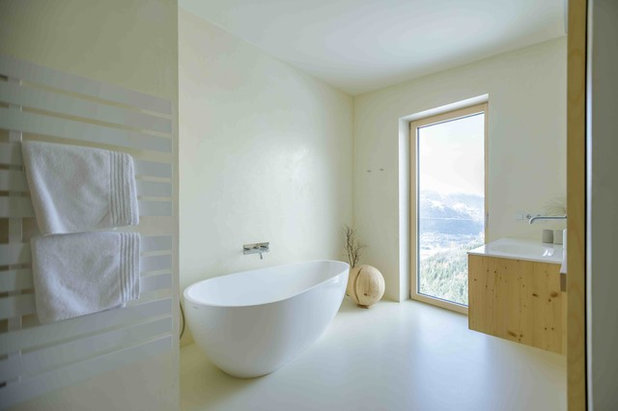 Modern Badezimmer by Architekturbüro Gappmaier