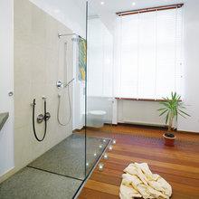 Wellness-Dusche im Schlafzimmer - Modern - Badezimmer ...
