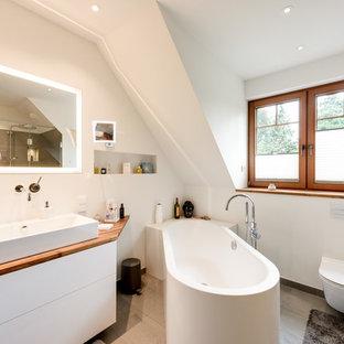 Salle de bain avec un espace douche bain Hambourg : Photos et idées ...