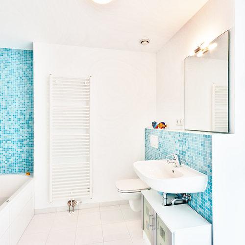 Salle de bain avec un carrelage bleu Francfort : Photos et idées ...