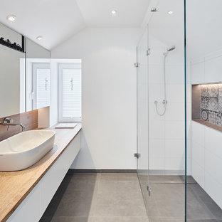 Salle de bain avec un carrelage blanc Dusseldorf : Photos et ...