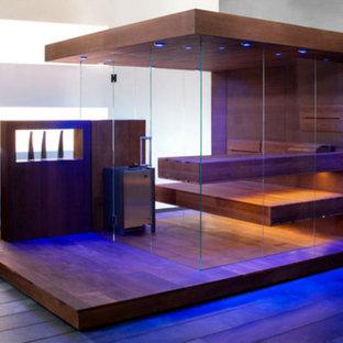 Design Sauna mit großzügigen Glasflächen