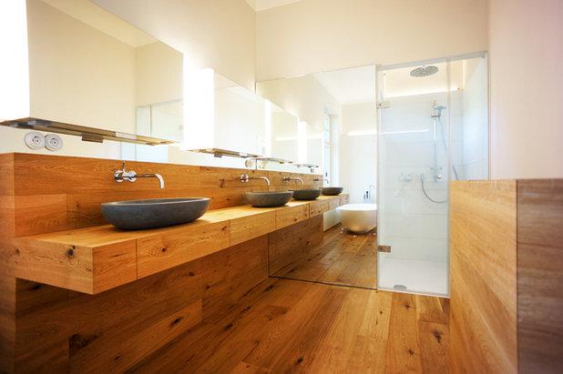 Modern Badezimmer by Cousin Architekt