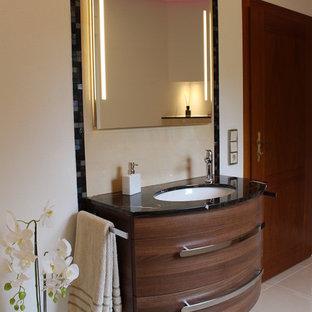 Salle de bain avec un plan de toilette en marbre Dresde : Photos et ...
