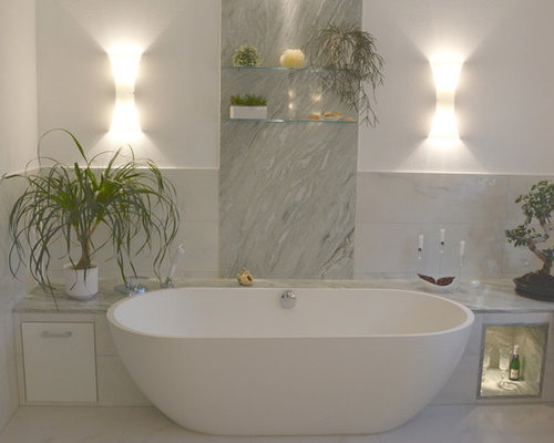 75 Dresden Bathroom with White Tiles Design Ideas - Stylish Dresden ...