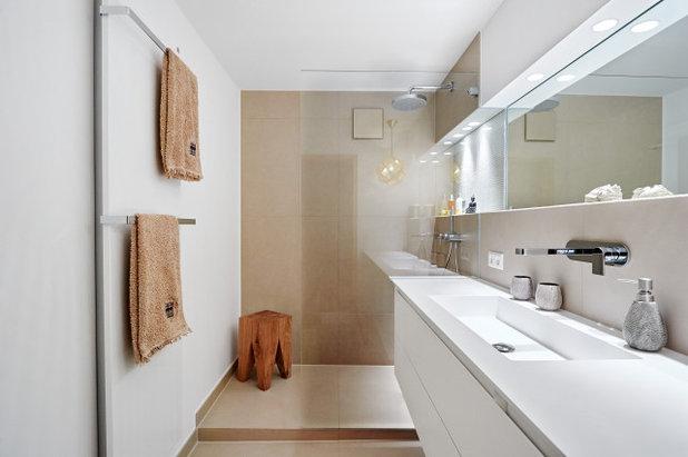 Modern Badezimmer by FrickBadezimmer