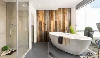 En suite Bad und Badewanne