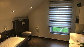 Fensterdekoration im Badezimmer