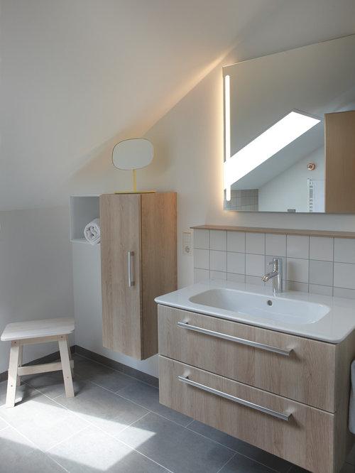 skandinavische badezimmer mit beigefarbenen fliesen. Black Bedroom Furniture Sets. Home Design Ideas