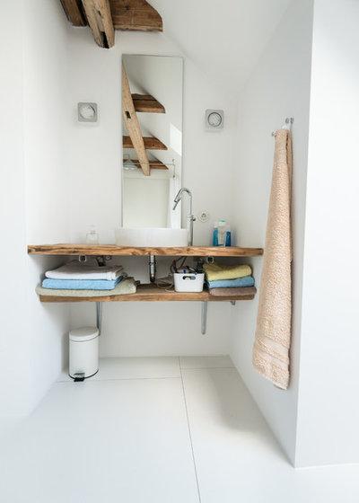 北欧 浴室 by Kate Jordan Photo