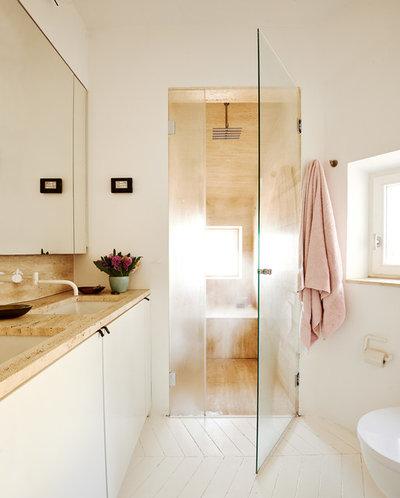 Badezimmer Skandinavischen Stil. badewanne holz verkleidet ...