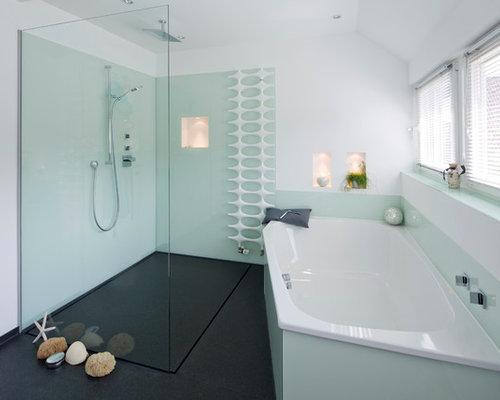 Badezimmer Mit Grünen Fliesen Und Fliesen Aus Glasscheiben Ideen - Grüne fliesen bad