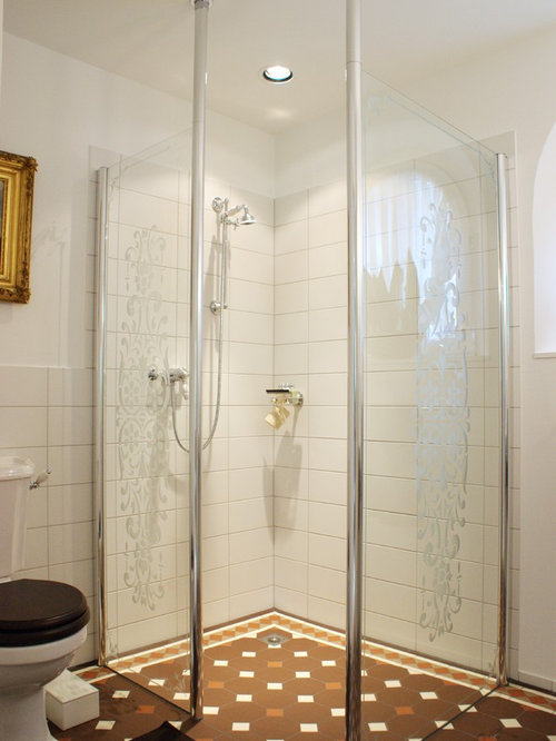 salle de bain victorienne avec un sol en carreaux de ciment photos et id es d co de salles de bain. Black Bedroom Furniture Sets. Home Design Ideas