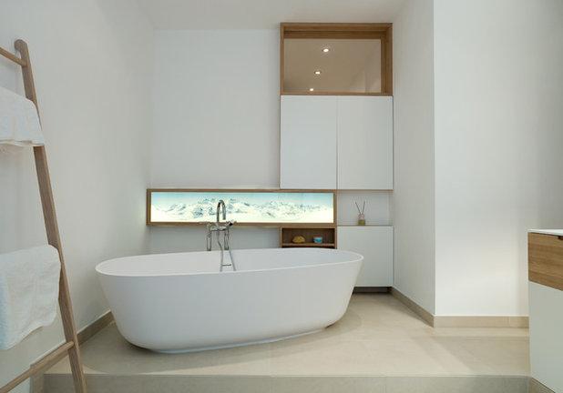 Contemporary Bathroom by BAID Jessica Borchardt