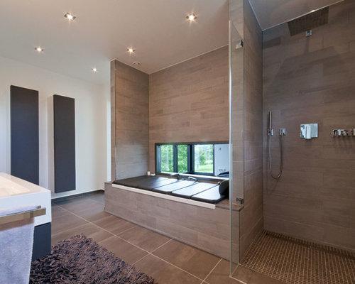 badezimmer mit braunen fliesen design ideen beispiele f r die badgestaltung houzz. Black Bedroom Furniture Sets. Home Design Ideas