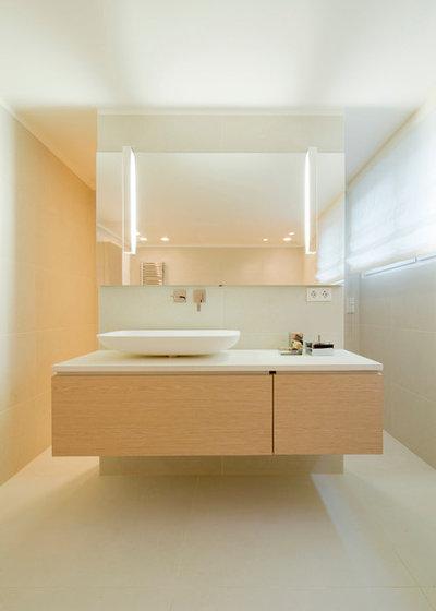 Contemporaneo Stanza da Bagno by Ferreira | Verfürth Architekten
