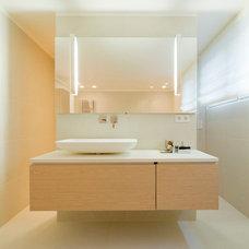 Contemporary Bathroom by Ferreira | Verfürth Architekten