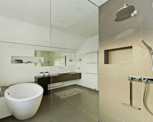 badezimmer mit aufsatzwaschbecken und freistehender badewanne ideen f r die badgestaltung. Black Bedroom Furniture Sets. Home Design Ideas
